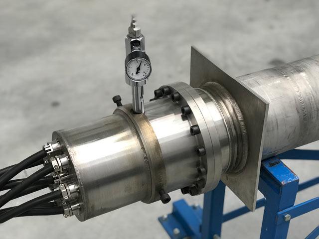 NHKA típusú nagyáramú hermetikus kábelátvezető (1 kV, 8 x 100 A) - VISOLA